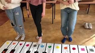 Zabawa kolorowymi dźwiękami